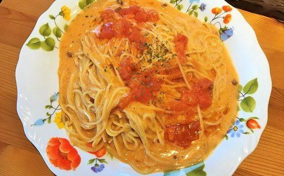 レシピレシピのパスタランチ(海老とトマトのクリームパスタ)