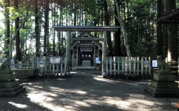 宝登山山頂にひっそりと鎮座する宝登山神社奥宮