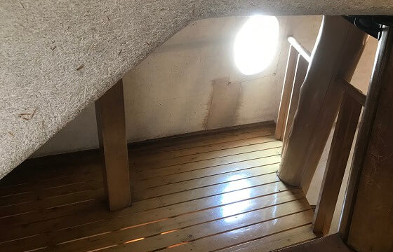 あけぼの子どもの森公園内にあるきのこの家にある小さな空間