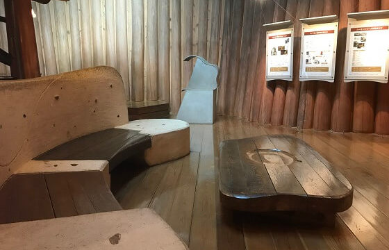 木の家の1階にあるトーベヤンソン展示室の様子